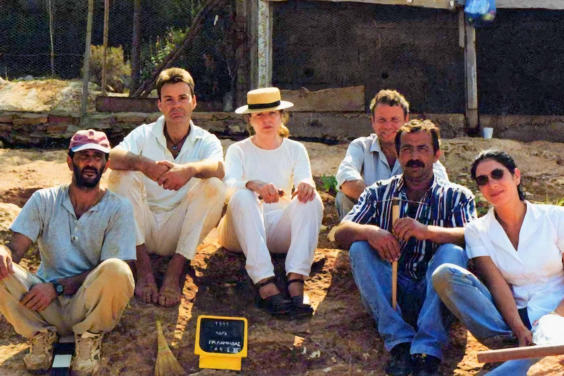 Commemorative photo after the end of the excavation in the area of Palamida in Hydra, 1999