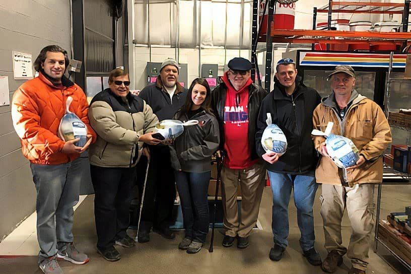 Ahepans provide Thanksgiving meals, clothing to individuals in need
